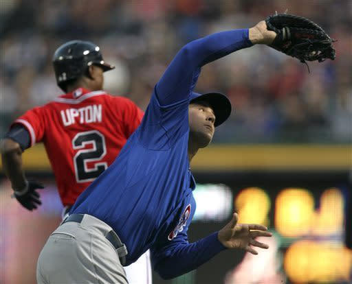 Upton homers, Minor pitches Braves past Cubs 4-1
