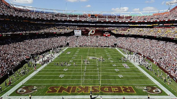 FedEx stays neutral in debate over Redskins name