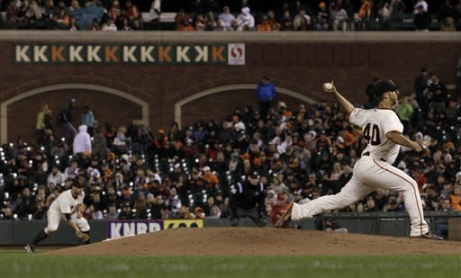 Bumgarner homers in Giants' 6-3 win