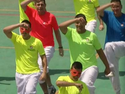Raw: Chilean Inmates Perform Flash Mob Dance