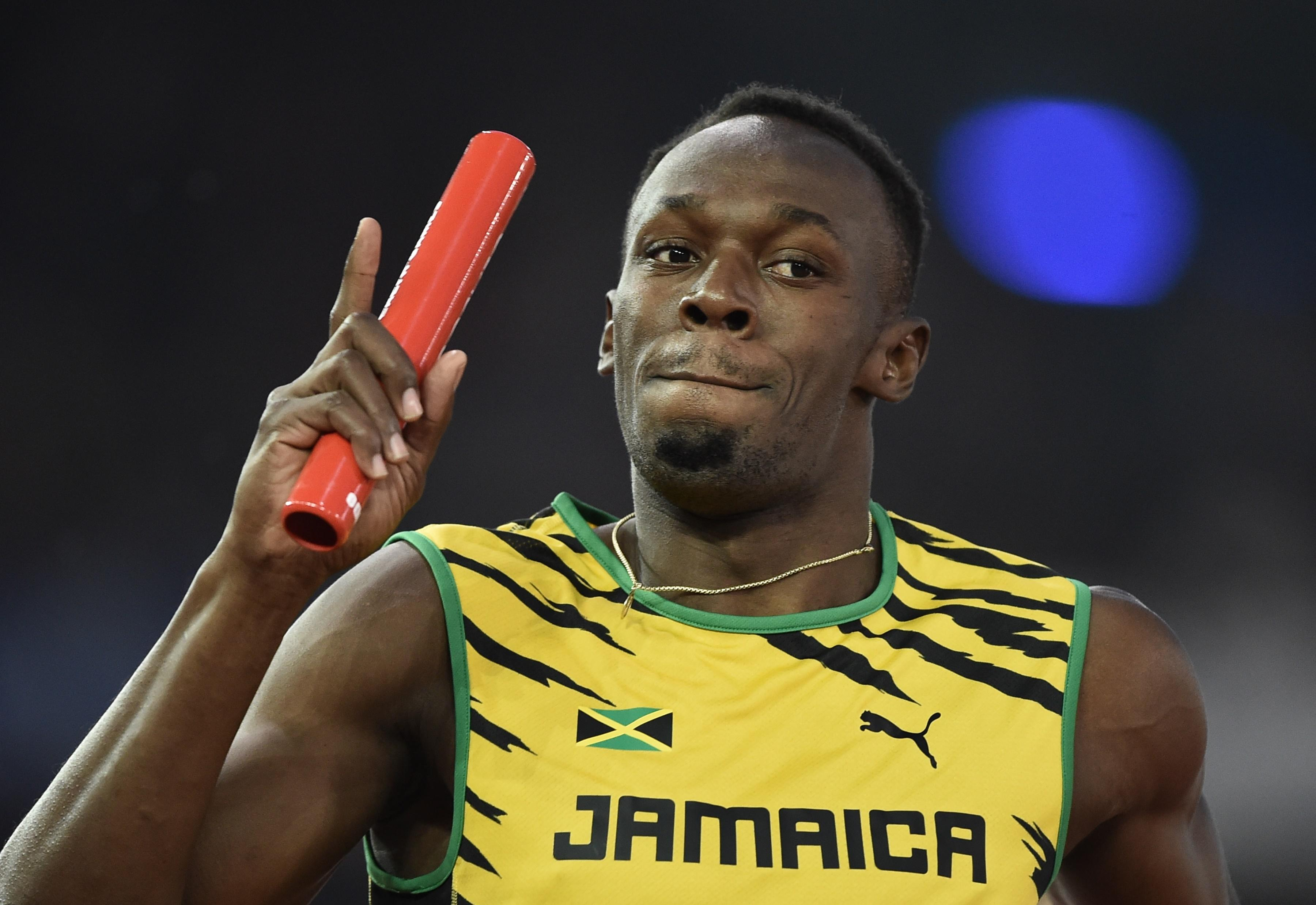 Bolt makes surprise relay start to season
