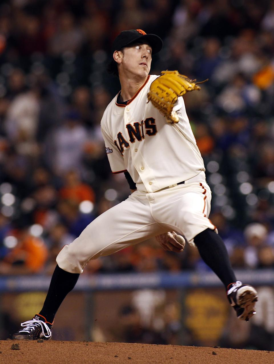 Lincecum agrees to two-year contract with Giants
