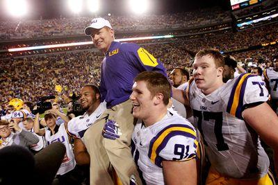 A complete timeline of Les Miles surviving the latest LSU drama