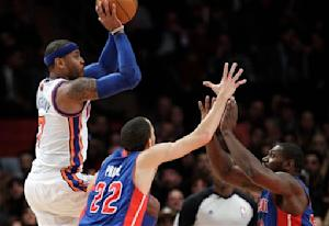 Anthony returns, Knicks rout Pistons to end slide