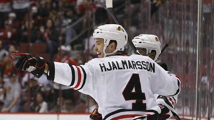 Kane leads Blackhawks past Coyotes 5-2