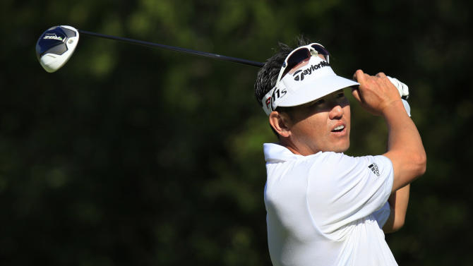 Charlie Wi hits his tee shot on the 18th hole during the first round of the Children's Miracle Network Hospitals golf tournament in Lake Buena Vista, Fla., on Thursday, Nov. 8, 2012. (AP Photo/Julie Fletcher)