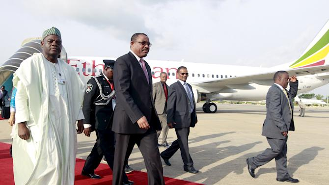 Ethiopia's Prime Minsiter Hailemariam Desalegn arrives at the presidential airport in Abuja
