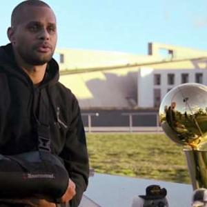 Spurs Trophy Tour: Mills, Baynes in Australia