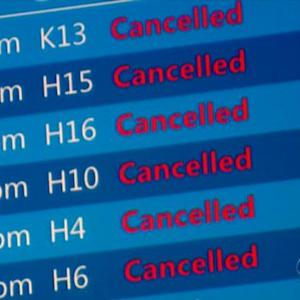 Looming blizzard grounds several airlines