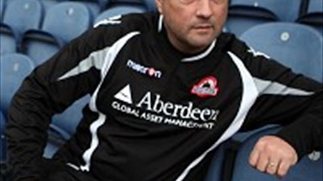 Edinburgh coach Michael Bradley is anticipating a close encounter in their 1872 Cup clash