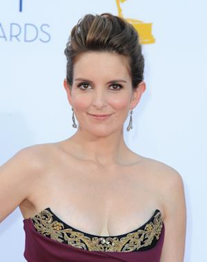 Tina Fey, Amy Poehler to host Golden Globes