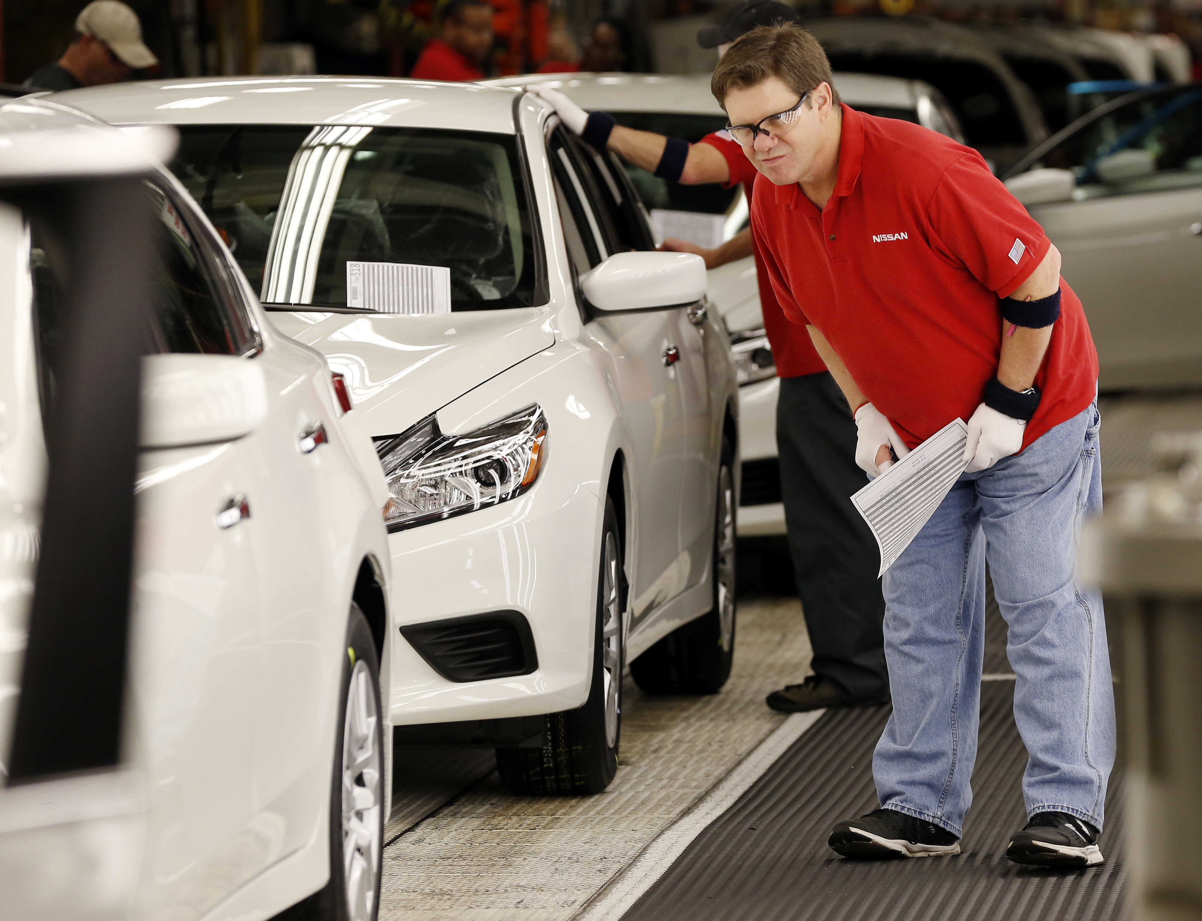 US durable goods orders slid 2.2 percent in May