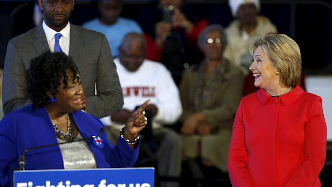 Sojourner introduces Clinton at a forum at Denmark-Olar Elementary School in Denmark, South Carolina