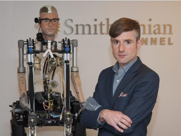 'Bionic man' walks, breathes with artificial organs, limbs