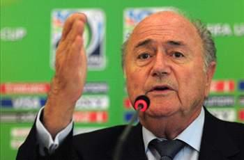 Blatter rejects deducting points for racism