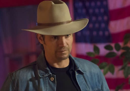 Justified Boss on [Spoiler]'s Shocking Fate, Boyd's Dark(er) Path – Plus: Season 5 Scoop!