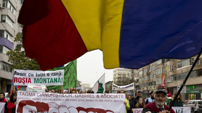 Thousands in Romania protest plans for gold mine
