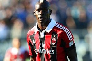 Referee chief: Balotelli would be sent off if he were to leave the pitch