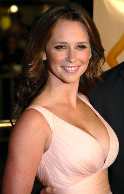 Jennifer Love Hewitt Doesn't Want to Talk About Her $5 Million Breasts Anymore