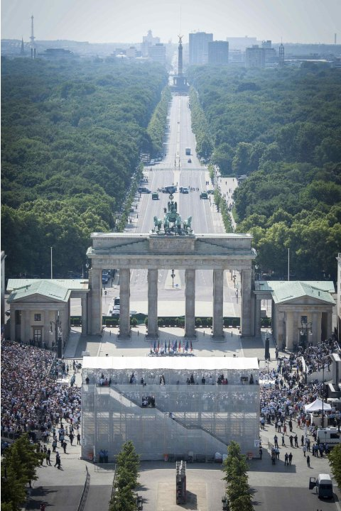 A general view of the Pariser Platz and Brandenburg Gate during the speech of U.S. President Barack Obama in Berlin