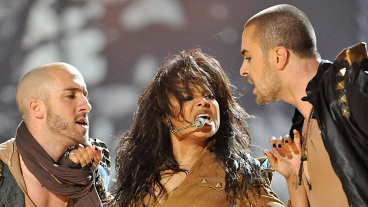 Janet Jackson performs at the 2009 American Music Awards at Nokia Theatre L.A. Live on November 22, 2009 in Los Angeles, California.