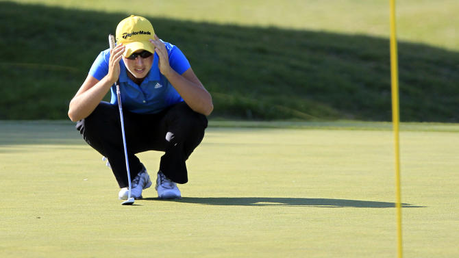 Carlota Ciganda lines up a putt on the ninth green during the first round of the North Texas LPGA Shootout, Thursday, April 25, 2013, at Los Colinas Country Club in Irving, Texas. (AP Photo/John F. Rhodes)
