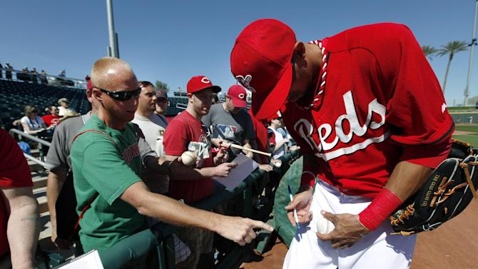 Hamilton steals again, but Mariners beat Reds 6-5