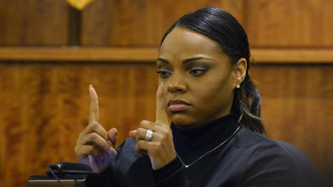 Aaron Hernandez's fiancee: I removed box at his request