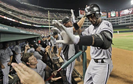 De Aza, Sale lift White Sox over Rangers 9-5