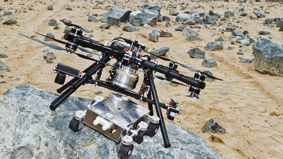 These Quadcopter Dropships Could Land Rovers on Mars (Video)