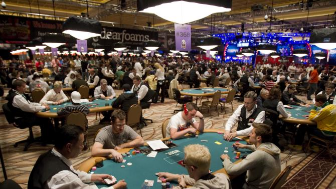 As trend wanes, Vegas casinos fold on poker rooms