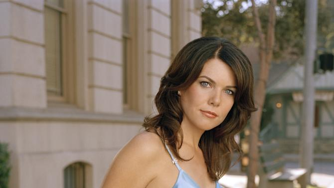 "FILE -  This undated publicity photo released by The WP shows Lauren Graham, who stars as Lorelai Gilmore in the network's popular series, ""Gilmore Girls.""  Why settle for one great mom when, as any TV viewer knows, you can adopt a series of them? AP Television Writer Lynn Elber chooses five of the best sit com moms, from the demure 1950s version to the freewheeling 21st-century incarnation. As a young, fiercely devoted single parent, Lorelai Gilmore has her own growing up to do, but always puts her daughter Rory's needs first. (AP Photo/ The WB / Frank Ockenfels, File)"