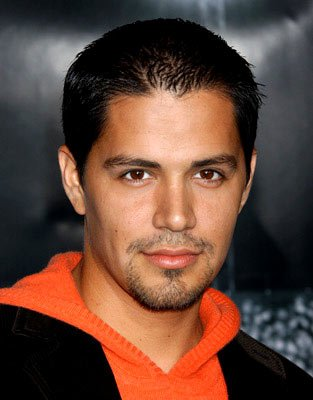 Premiere: Jay Hernandez at the Hollywood premiere of Universal Pictures' Friday Night Lights - 10/6/2004