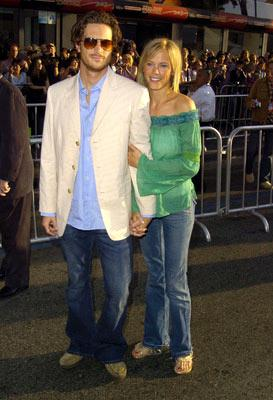 Premiere: Oliver Hudson and Erinn Bartlett at the Hollywood premiere of Touchstone Pictures' Raising Helen - 5/26/2004