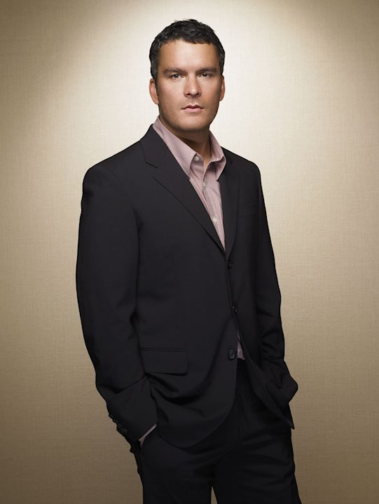 Balthazar Getty stars as Thomas Walker on Brothers & Sisters.