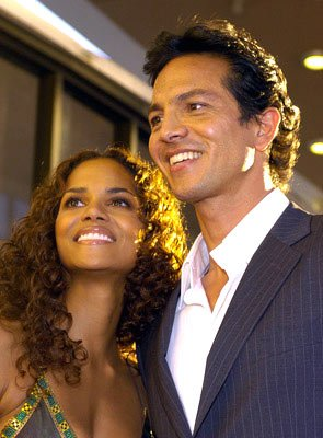 Premiere: Halle Berry and Benjamin Bratt at the Hollywood premiere of Warner Brothers' Catwoman - 7/19/2004