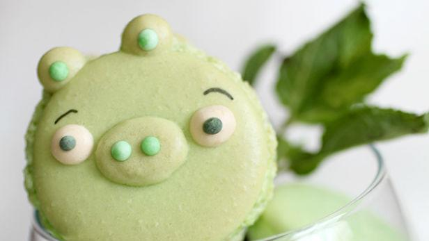 This 'Angry Birds' Pigs Dessert Will Taunt Your Taste Buds