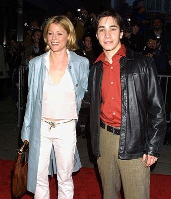 Premiere: Julie Bowen and Justin Long at the New York premiere of Columbia's The Sweetest Thing - 4/8/2002