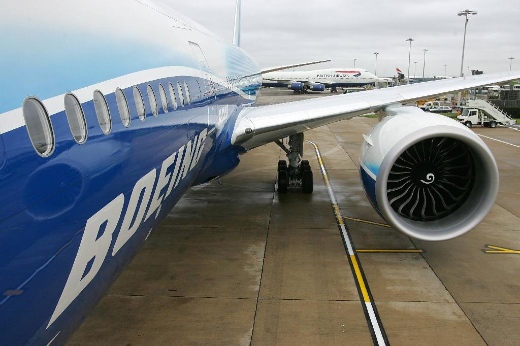 Russia launches probe after Boeing engine fails mid-air