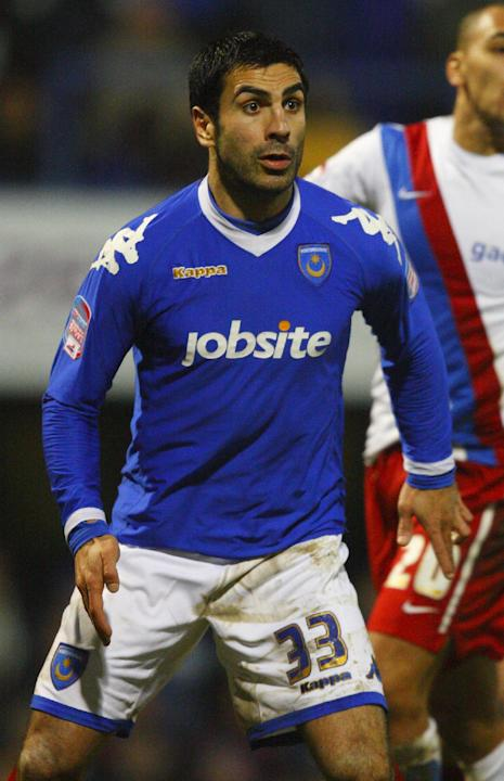 Former Portsmouth defender Ricardo Rocha will have a trial at Ipswich