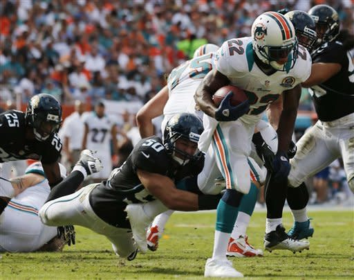 Tannehill leads Dolphins past Jaguars, 24-3