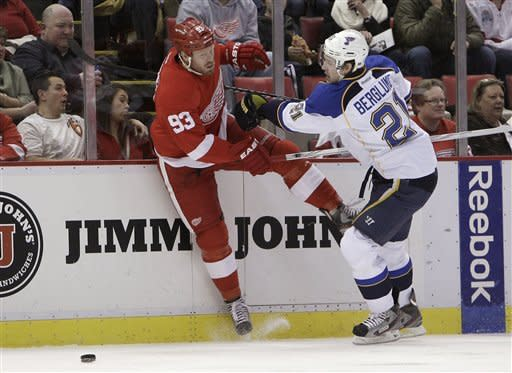 Datsyuk, Kronwall give Wings 3-2 win over Blues