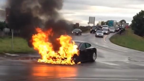 DNP Tesla Model S catches fire after battery compartment impacted