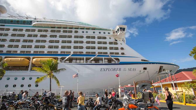 US officials probe illnesses on Caribbean cruise