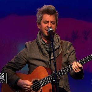 "Mike Gordon performs ""Tiny Little World"""