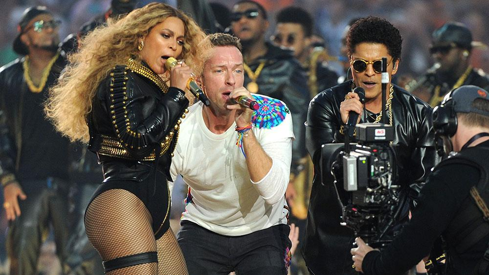 Watch: Beyonce Almost Slips During Super Bowl Halftime Performance