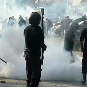 Police fire teargas at protesting Cairo university students