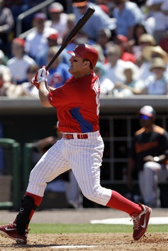 Thome returns to 1st base, has 2 RBIs for Phillies