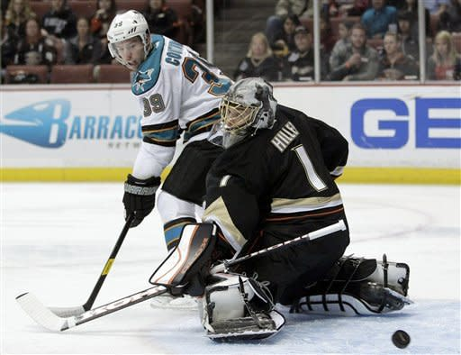 Sharks finally beat Ducks for 1st time this season