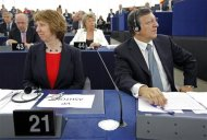 European Commission President Jose Manuel Barroso (R) and European Union High Representative Catherine Ashton attend a debate on the state of union at the European Parliament in Strasbourg, September 11, 2013. REUTERS/Vincent Kessler